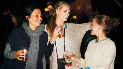 Alkoholinntaket vårt kan være spesielt farlig i tre faser i livet, ifølge forskere.