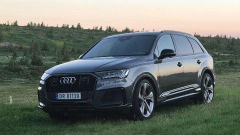 Frontdesignet er nytt og vellykket. Det levner heller ingen tvil, dette er en SUV fra Audi.