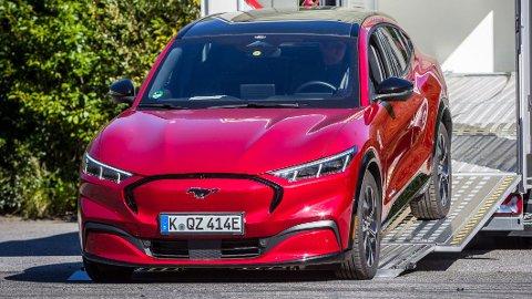 Ford er nå helt i innspurten med utviklingen av sin Mustang Mach-E. Dette eksemplaret skal rulle på norske veier de neste to ukene, og testes på en rekke forskjellige ladenettverk.