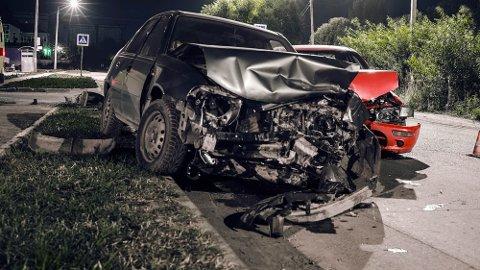 Kjører du en uforsikret bil og forårsaker skade, kan du ende opp som gjeldsslave Nærmere 30.000 kjøretøy på norske veier mangler lovpålagt trafikkforsikring. Illustrasjonsfoto.