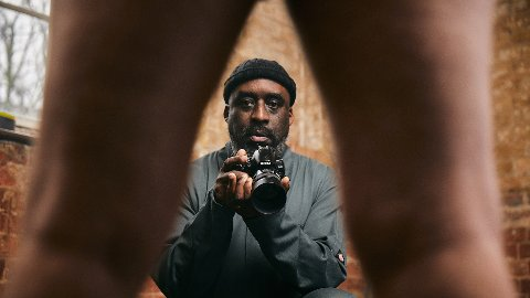 Fotografen Ajamu fotograferte menn til filmen «Me And My Penis».