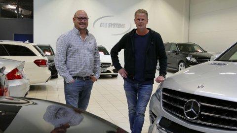 Det startet med import av én bil for noen år tilbake. I dag selger DTE Systems rundt 250 biler i året – nesten alle med dieselmotor under panseret. Fra venstre: Terje Hasli og Esben Furuseth.