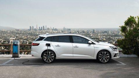 GUNSTIG PAKKE: 50 kilometer på strøm, familiebilplass og pris fra 350.000 kroner – dette er en gunstig pakke fra Renault.
