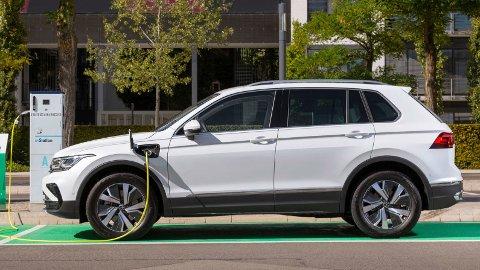PRISKUTT: Volkswagen Tiguan kommer nå i ladbar hybridutgave, det gir solid priskutt for VWs familie-SUV.