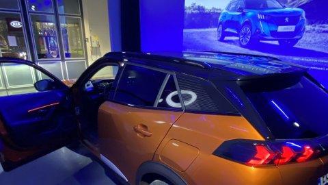 Peugeot e-2008 har virkelig begynt å gjøre seg gjeldende på registreringsstatistikken, sammen med lillebror e-208. I tillegg har Peugeot flere ladbare nyheter på gang – og går mot det beste salgsåret i historien i Norge.
