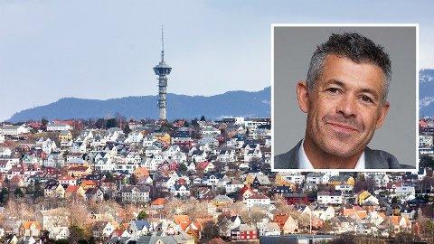 KLASSESKILLE: TV-profil og eiendomsmegler Hans Christian Espenes har gradvis blitt mer kritisk til systemet han lever i.