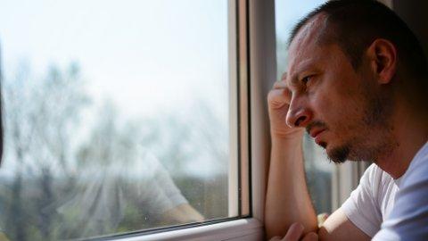 ØKNING: Når vi blir flere eldre, vil også kreftforekomsten øke. Den største økningen vil vi se hos menn.