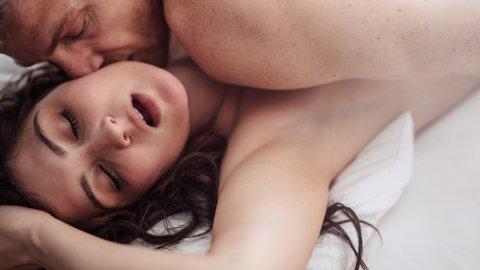 ORGASME: Kvinnen lurer på om det er normalt å aldri få vaginal orgasme.