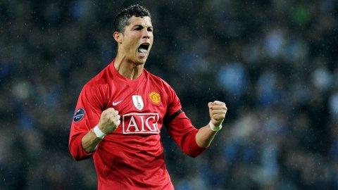 HOT OR NOT?: Mange spør seg om Cristiano Ronaldo vil bli en suksess i Manchester United.