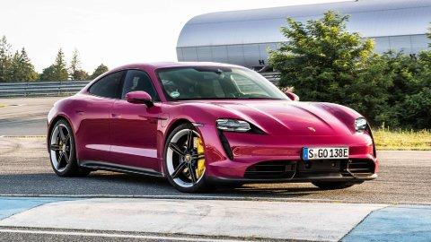 Porsche gjør flere endringer på Taycan. Noe økt rekkevidde og en rekke nye fargealternativer er blant nyhetene.