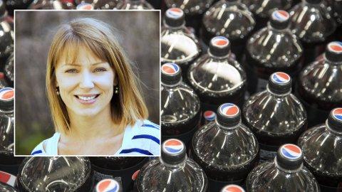 ADVARER: Ernæringsbiolog og høyskolelektor ved Bjørknes høyskole, Marit Kolby, slår brus-alarm. Hun mener vi ikke kan si sikkert at lettbrus er et bedre valg enn sukkerholdig brus.