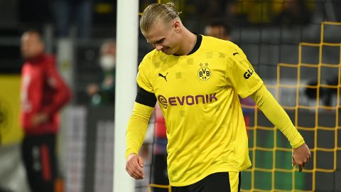 SKADET: Erling Braut Haaland måtte stå over helgens kamp for Borussia Dortmund.