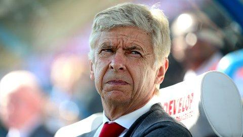 I HARDT VÆR: Arsené Wenger må tåle kritikk etter forslaget FIFA har kommet med omkring internasjonal fotball.