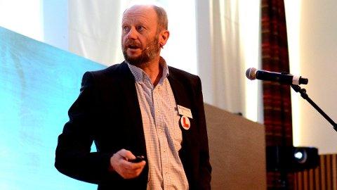 Stein Lier-Hansen advarer om økonomien.