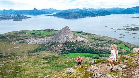 Oppdag Norge i sommer, oppfordrer helseminister Bent Høie (H).   FOTO: GORM KALLESTAD / NTB SCANPIX