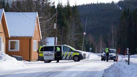 LITE TRAFIKK: Både politiet og tollvesenet melder om lite trafikk over riksgrensen til Sverige. Her fra Ådalsvollen i Verdal.  FOTO: JOHAN ARNT NESGÅRD