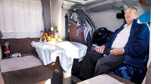 GJENNOM FIRE LAND:Hallbjørn Hanssen kjørte gjennom fire land for å komme seg heim fra Spania til Norge.   FOTO: BJØRN TORE NESS / NAMDALSAVISA