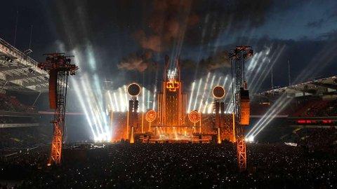 Rammstein skulle ha to konserter i Granåsen i 2020. De utsatte konsertene blir slått sammen til én – og skal avholdes på Leangen Travbane 25. juli i 2021. Her fra Ullevaal Stadion i 2019.   FOTO: LISE ÅSERUD / NTB SCANPIX