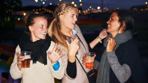 LITT ALKOHOL KAN SKADE: Det er ikke sånn at en er trygg fordi man drikker under anbefalingene, påpeker forsker Jørg Mørland.