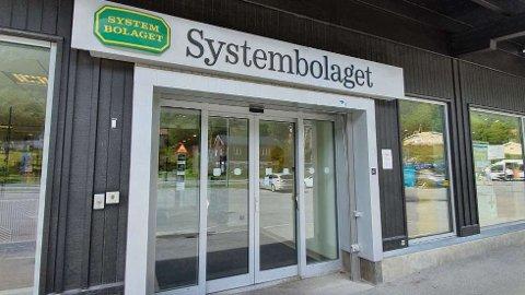 TOMT:Sist uke var det så og si tomt hos Systembolaget i Åre. I stor kontrast til tidligere år.   FOTO: PRIVAT