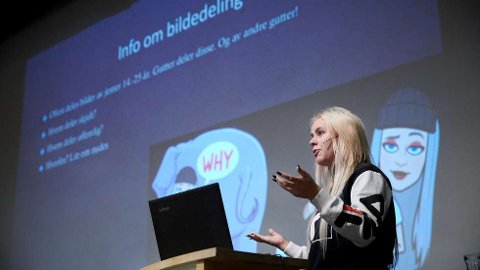 REAGERER:«Datadetektiv» Mia Landsem reagerer på bildene og videoen som deles av Petter Norhug Jr. og andre uskyldige tredjeparter. Her fra et foredrag på Inderøy ungdomsskole i 2018.