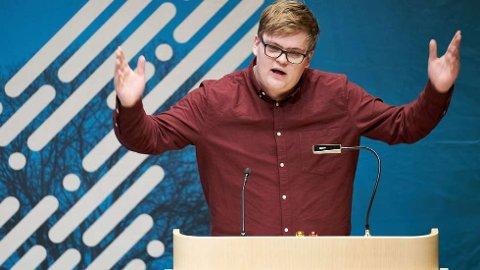 MÅ VÅKNE:Ap-politiker Gaute Børstad Skjervø ber mannfolka i Ap om å våkne og stemme ned Trond Giske som ny fylkesleder.