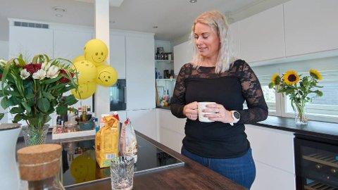 ÅPEN:Etter deltakelsen i Hunt4 fikk Sara Kveli Skjervø svaret på hvorfor hun har vært så mye syk gjennom flere år – hun testet positivt for cøliaki. Nå er kostholdet endret, formen på veg til å bli bedre, og i august er hun tilbake i jobben ved Ungt entreprenørskap Trøndelag. FOTO: PIA MARIE LERSETH