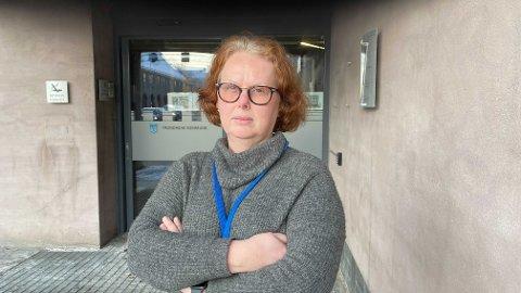 HAR BEDRE KONTROLL: Smittevernlege Eli-Anne Skaug sier at de bedre klarer å ramme inn utbruddene nå enn for noen dager siden.