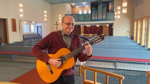 Skule Bjørnstad (59) har jobbet halve livet som prest i Charlottenlund kirke.