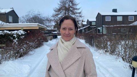 Foretakstillitsvalgt ved St. Olav for Norsk Sykepleierforbund, Gro Lillebø mener studentene som jobber som helsepersonell bør prioriteres slik at de ikke blir forsinket i utdanningen.