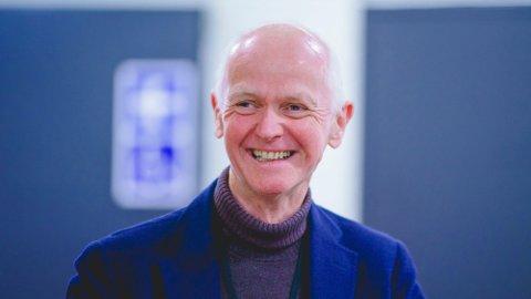 Smitteverndirektør Geir Bukholm i Folkehelseinstituttet (FHI) har all grunn til å smile over tallene fra en fersk undersøkelse.