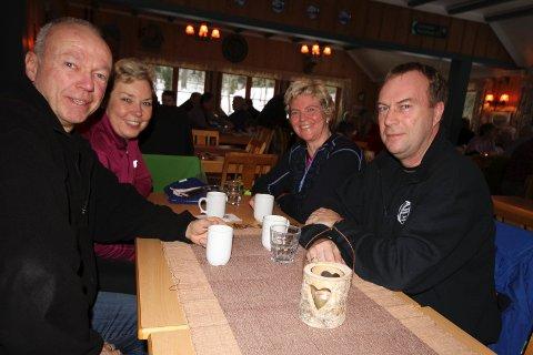 FASTE: Jan og Ingeborg Seglem (f.v.) og Merete Berg og Morten Pettersen (ikke på bildet) fra Abildsø har besøkt Rustadsaga i 50 år.