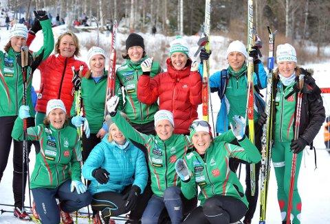 SAMHOLD: Damegruppa i Rustad IL inneholder 76 treningslystne damer.