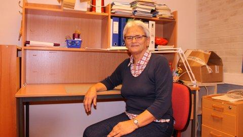 SLUTTER: Eva Hamre har ryddet pulten etter 47 år som lærer på Prinsdal skole.