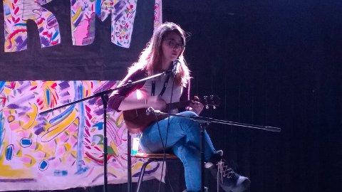 UKM: Sofie Gulbrandsen sang og spilte ukulele