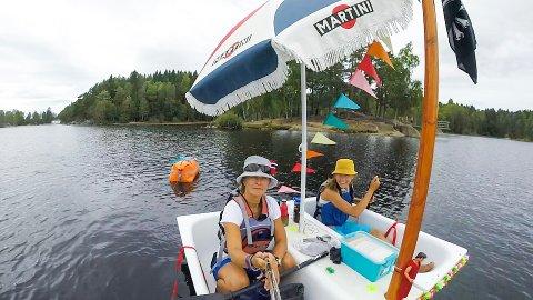Emma (14) og moren Kathinka Gyllenhammar er godt fornøyd med turen på Nøklevann. Alle foto: Privat