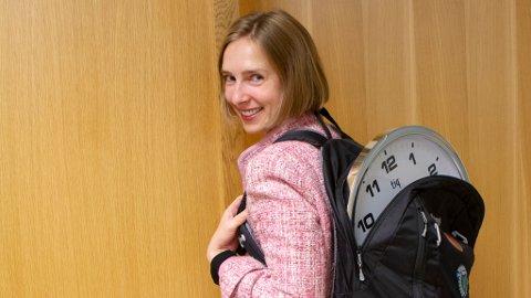 Næringsminister Iselin Nybø skulle gjerne sett at vi ikke trengte å stille klokka.