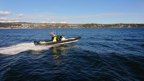 PÅ JOBB: Politiets sjøtjeneste har hatt mye å gjøre den siste tiden etter en økning i båttrafikk på fjorden. Her fra Oslofjorden med Nordstrand i bakgrunnen.