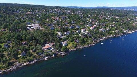 Tomten ligger i Rudgefaret på Hellvik og har en prislapp på 8 millioner kroner.