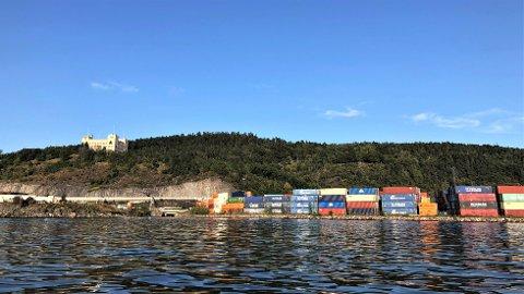 Å legge terminalen for utenriksfergene her ved Kongshavn anslås ifølge en ny rapport som bra for byutviklingen, men kan få negative konsekvenser for naturmangfoldet.