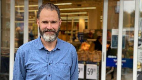 PRISKUTT: Calle Hägg, PR- og kommunikasjonssjef i Rema 1000, sier at de kjører på med et stort priskutt. Foto: Nina Lorvik (Mediehuset Nettavisen)