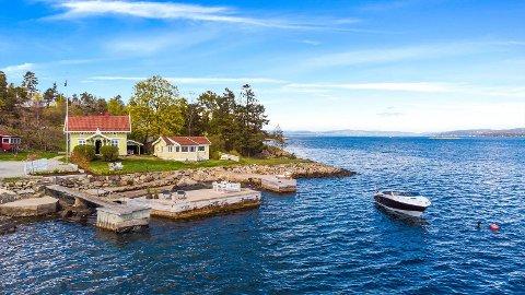 - Mange lurer på at prisen er høy når boligen er så liten. Her selger man ikke kvadratmeter, men den unike beliggenheten, sier eiendomsmegler Trond Ivar Olsen i Nordvik Asker.