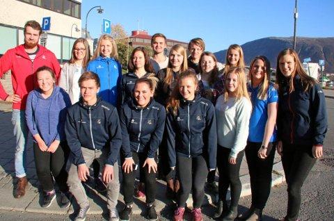 FRIIDRETTENS FREMTID: Matias Lavik (t.v) har med seg 16 ungdommer fra friidrettskretsene i Nord-Norge til Friidrett i Nords kompetansehelg i Tromsø. Ungleder-prosjektet til Norges Friidrettsforbund skal utdanne og rekruttere ungdommer til lederverv i friidretten.