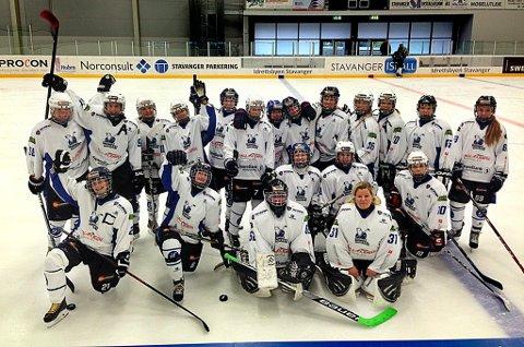 Damelaget til Tromsø Ishockeyklubb fotografert før lørdagens kamp mot Stavanger.