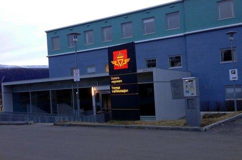VEIRETUR: Statens vegvesen holdt tidligere til i Mellomveien 40. I høst kan mellom 80 og 100 ansatte som overføres fra vegvesenet til fylkeskommunen, returnere til sitt tidligere kontorbygg.