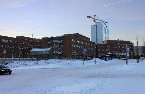 OVERSKUDD?: UNN er pålagt et overskudd på 40 millioner kroner neste år. Foto: Bengt Nielsen