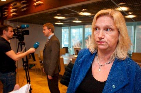MÅ VENTE: Line Fusdahl (H), fylkesrådsleder i Troms, får ikke realisere Langsundforbindelsen før regjeringen og Stortinget har avklart spørsmålene om bompenger og fergeavløsningsmidler. Foto: Ole Åsheim
