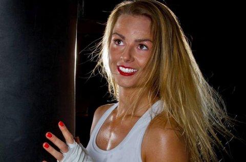Kickbokser Marielle Kongsvold ble nakkeoperert tirsdag. Før hun tenker på å komme tilbake som landslagsutøver og et eventuelt VM neste høst har hun fokus på å bli helt frisk igjen.