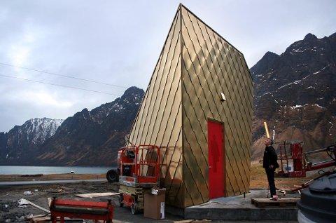 STOLT: Entreprenør Egild Jagersten beundrer sitt verk.