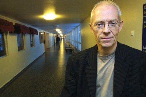 PSYKIATER OG PROFESSOR: Vidje Hansen mener kutt i driftsutgiftene betyr kutt i behandlingstilbudet, noe som han mener kommer til å føre til flere selvmord blant psykiatriske pasienter.